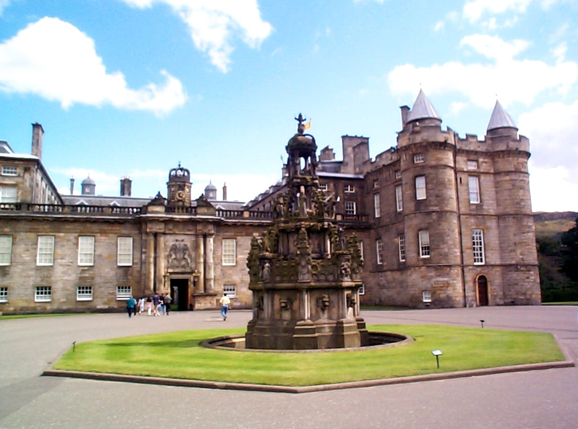56 Palace of Holyroodhouse, Edinburg, UK.jpg