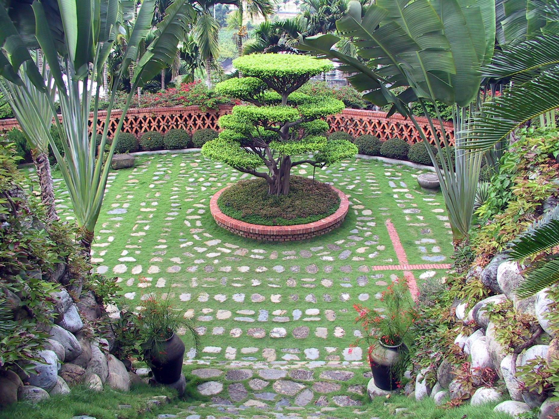 02 Gardens
