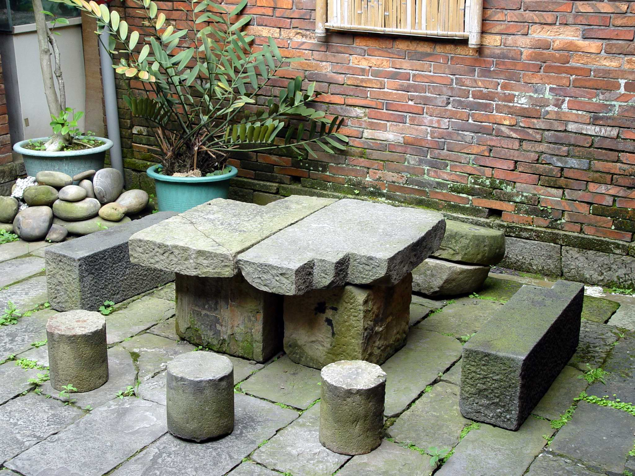 06 Stone Table And Chairs Jpg